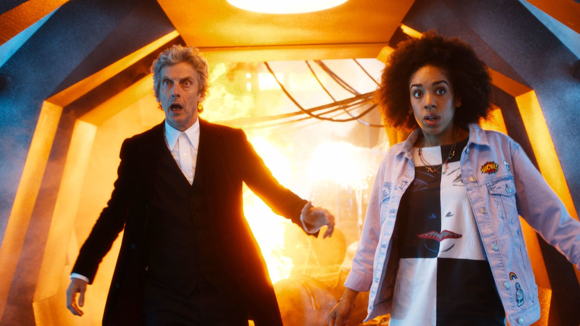 Pearl Mackie in action with the Doctor (Peter