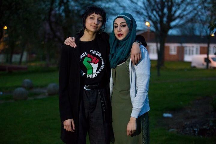 Saffiyah Khan (L) andSaira Zafar (R).