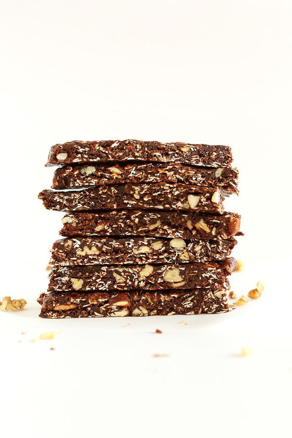 """<strong>Get the <a href=""""http://minimalistbaker.com/healthy-brownie-granola-bars/"""" target=""""_blank"""">Healthy Brownie Granola Ba"""