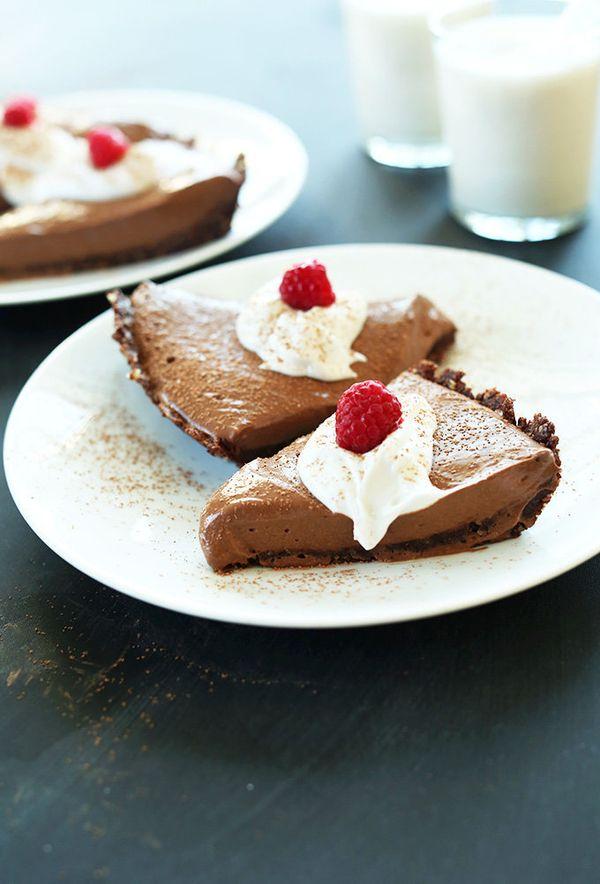 "<strong>Get the <a href=""http://minimalistbaker.com/6-ingredient-vegan-chocolate-silk-pie/"" target=""_blank"">Vegan Chocolate S"
