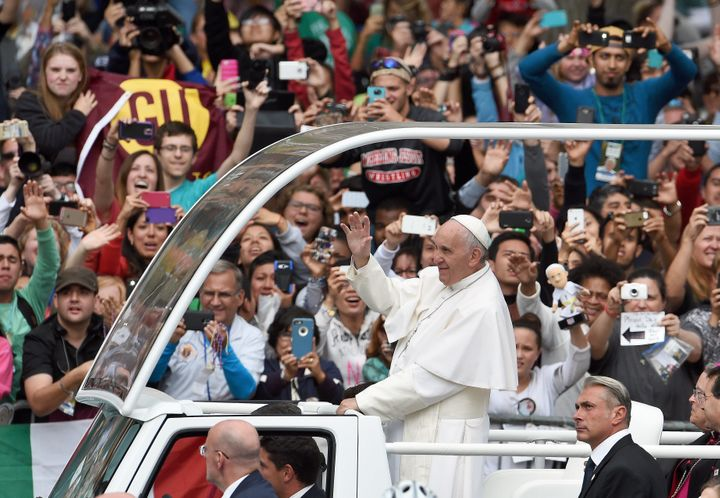 Hundreds of thousands of pilgrims turned out to see Pope Francis celebrate Mass in Philadelphia, Pennsylvania during the 2015