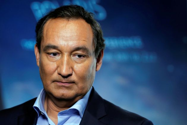 Oscar Munoz has finally apologised over the treatment of David