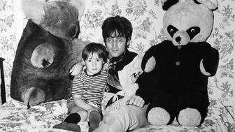 WEYBRIDGE, UNITED KINGDOM - CIRCA 1960: John Lennon and his son Julian relaxing at home in Weybridge, United Kingdom, circa 1960. (Photo by Keystone-France/Gamma-Rapho via Getty Images)