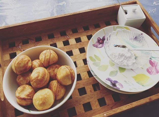 A bowl of aebleskiver.