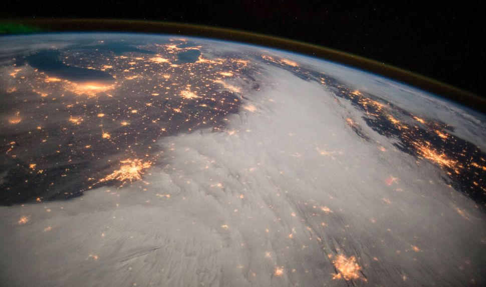 ISS Expedition 42 Flight Engineer Barry Wilmore snapped this picture of the Great Lakes and central U.S. on Dec. 7, 2014.