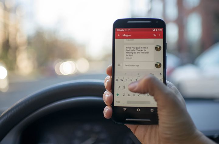 Dangers Of Texting And Driving >> The Very Real Dangers Of Texting While Driving Huffpost Life