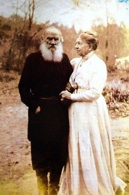 Last photograph taken of Tolstoy with his  wife Sonya