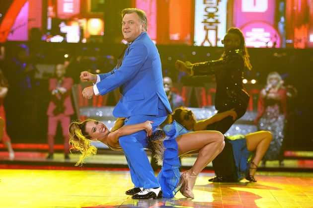 Ed and Katya perform their famous 'Gangnam Style'
