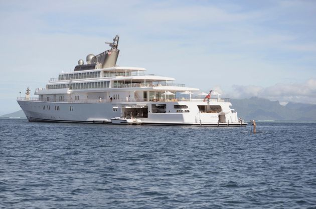 The Obamas, Springsteens, Tom Hanks, Rita Wilson and Oprah spent two hours aboard David Geffen's Rising...