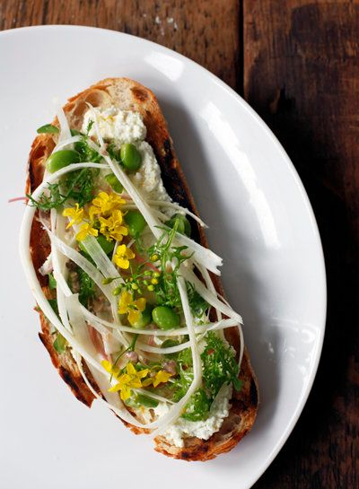 "<strong>Get the <a href=""http://www.thejewelsofny.com/recipe/2014/4/3/asparagus-bruschetta/"" target=""_blank"">Asparagus Brusch"