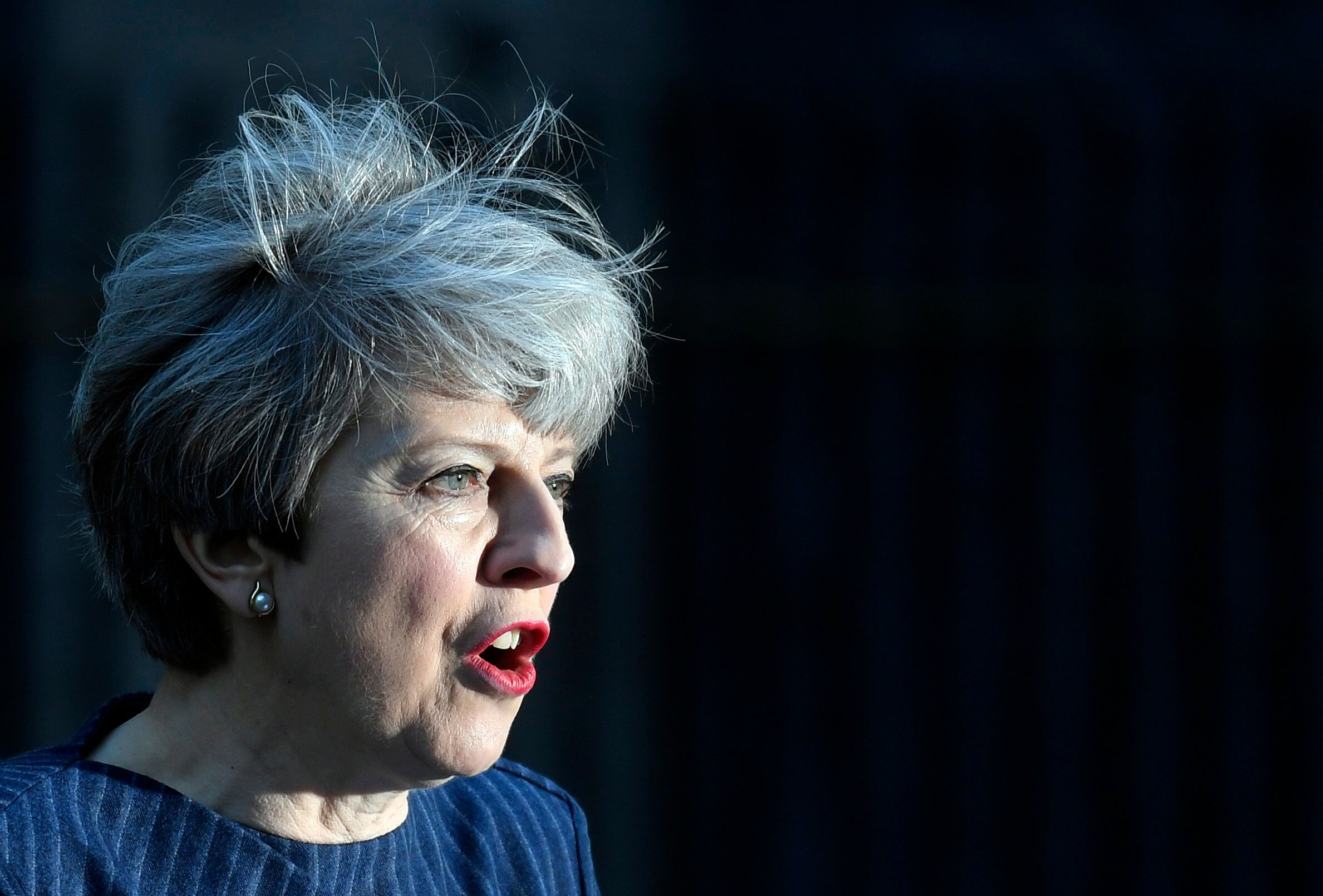 Britain's Prime Minister Theresa May speaks to the media outside 10 Downing Street, in central  London, Britain April 18, 2017.  British Prime Minister Theresa May called on Tuesday for an early election on June 8, saying the government had the right plan for negotiating the terms of Britain's exit from the European Union and she needed political unity in London.       REUTERS/Toby Melville