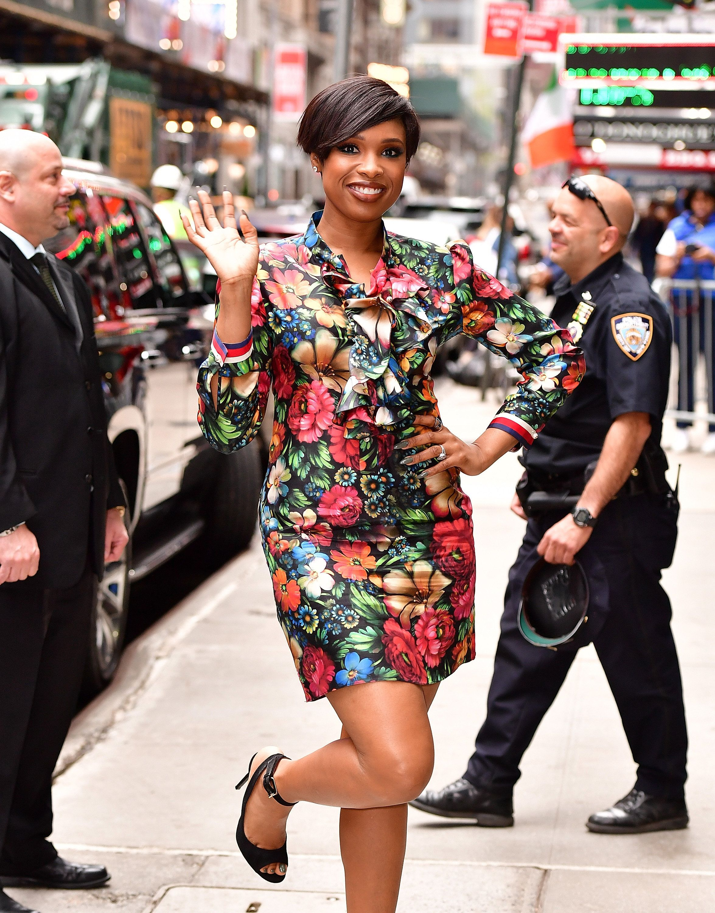 NEW YORK, NY - APRIL 17:  Jennifer Hudson leaves ABC's 'Good Morning America' in Times Square on April 17, 2017 in New York City.  (Photo by James Devaney/GC Images)