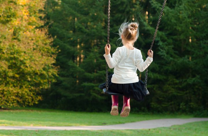 "<a rel=""nofollow"" href=""https://skitterphoto.com/photos/399/girl-on-a-swing"" target=""_blank"">www.skitterphoto.com</a>"