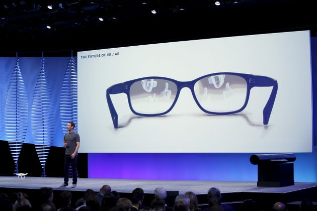 Facebook launches new virtual reality app