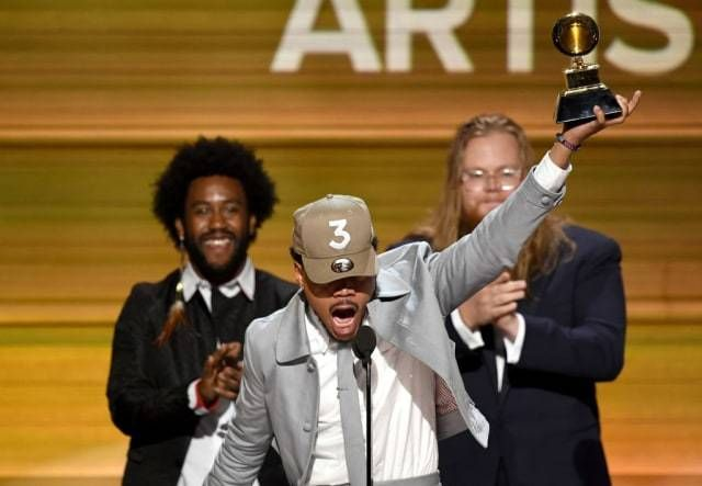 <strong>Chance The Rapper</strong> accepts 'Best New Artist' Award at the <strong>2017 Grammys</strong>