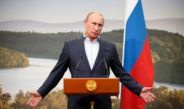 Jeremy Corbyn Hits Back At Michael Fallon 'Smear' That Vladimir Putin Would Welcome A Labour