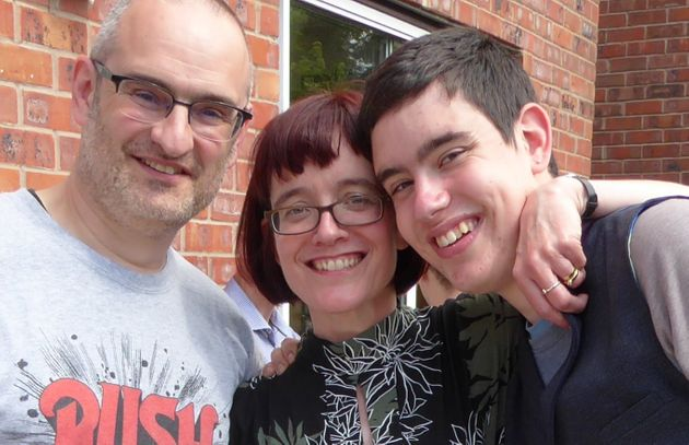 Ells with his parents Simon and