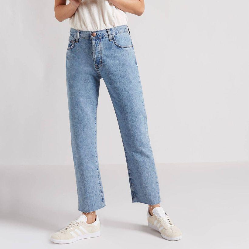 "<a rel=""nofollow"" href=""http://rstyle.me/n/cma8tcjduw"" target=""_blank"">Current&#x2F;Elliott The Original Straight Leg Jean, $"