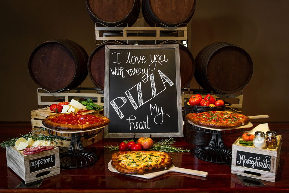 14 Perfectly Cheesy Wedding Ideas For Couples Obsessed With Pizza