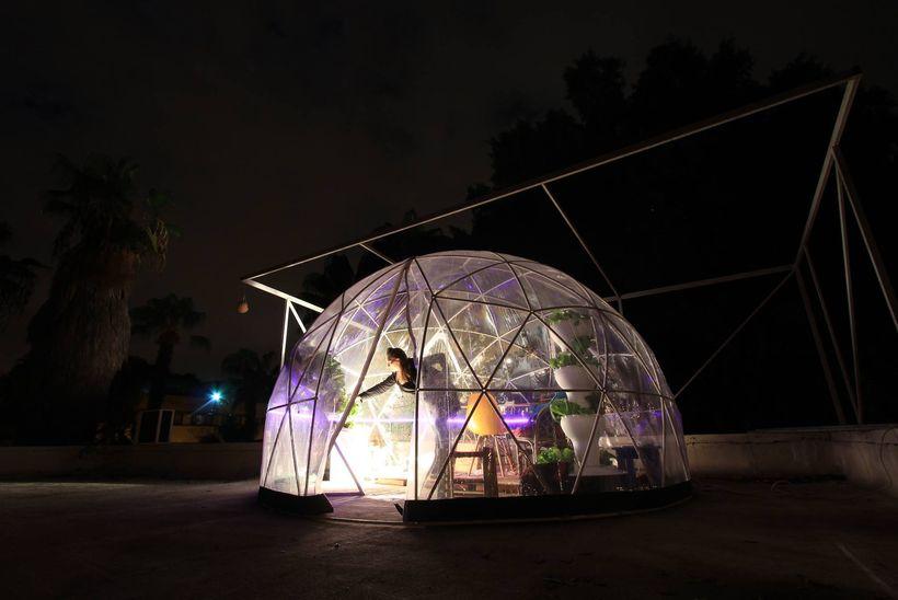 <em>The Garden Igloo hydroponic biodome at night, in Tel Aviv</em>