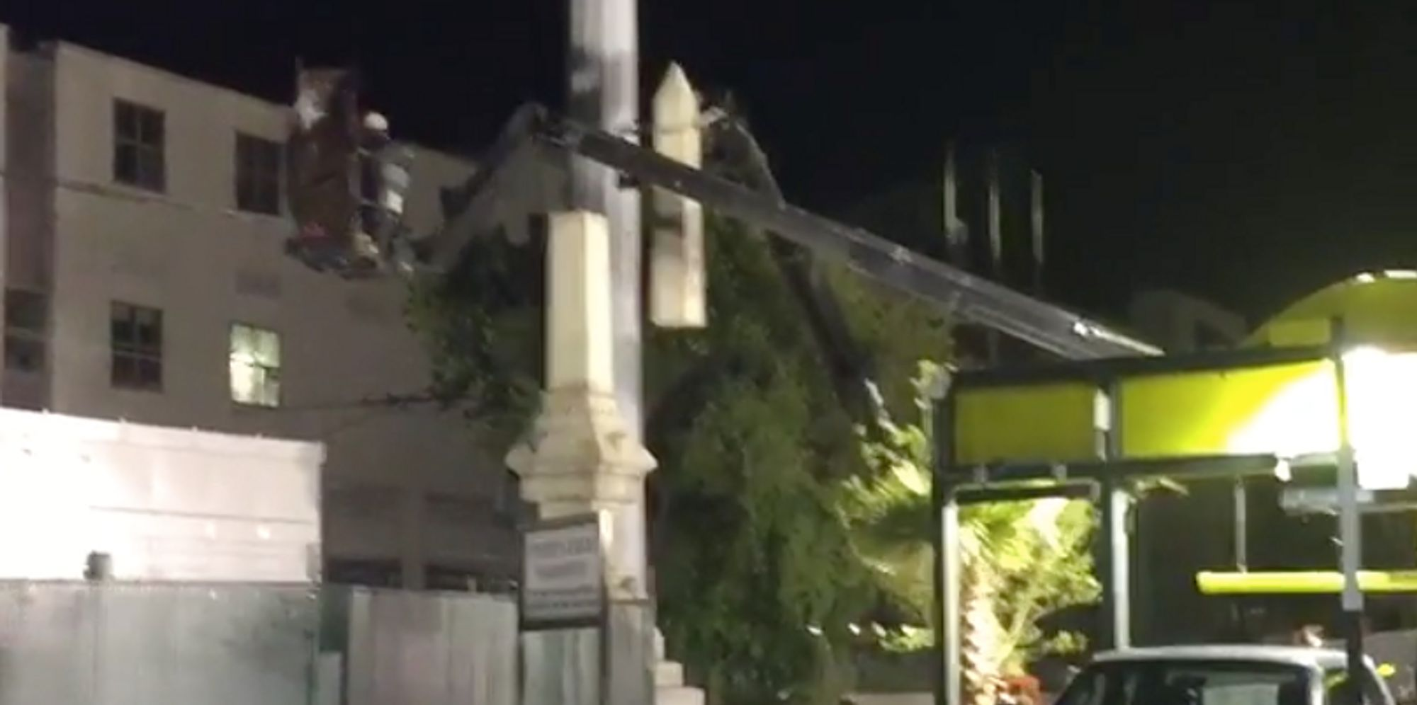 New Orleans Begins Tearing Down Confederate Statues