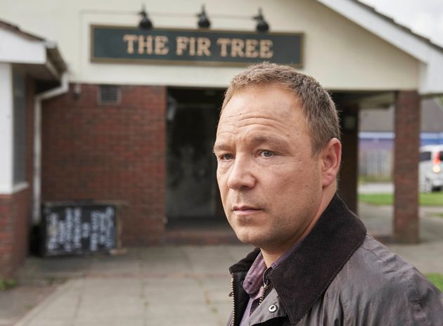 Detective Superintendent Dave Kelly, who led the investigation, is played by Stephen Graham