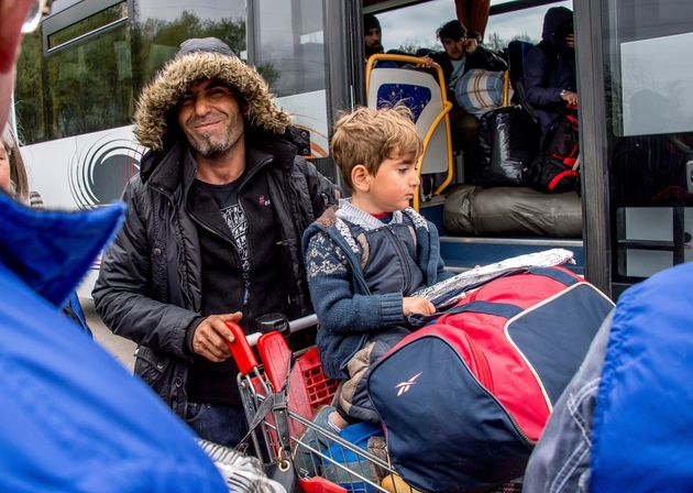 Two-tier system hampers refugees in UK - MPs and peers