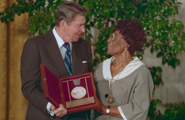 President Ronald Reagan presents one of the 1987 Medal of Arts awards to famed singer Ella Fitzgerald.