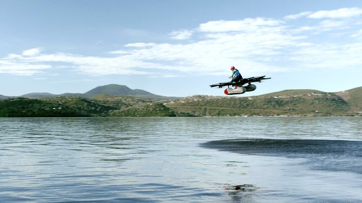 Watch as flying 'car' from Silicon Valley soars over lake