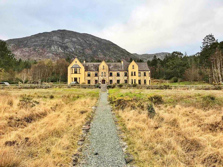 <p>Lough Inagh Lodge</p>