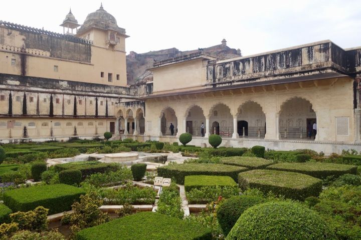 <em>The palace grounds inside Amer Fort, Jaipur.</em>