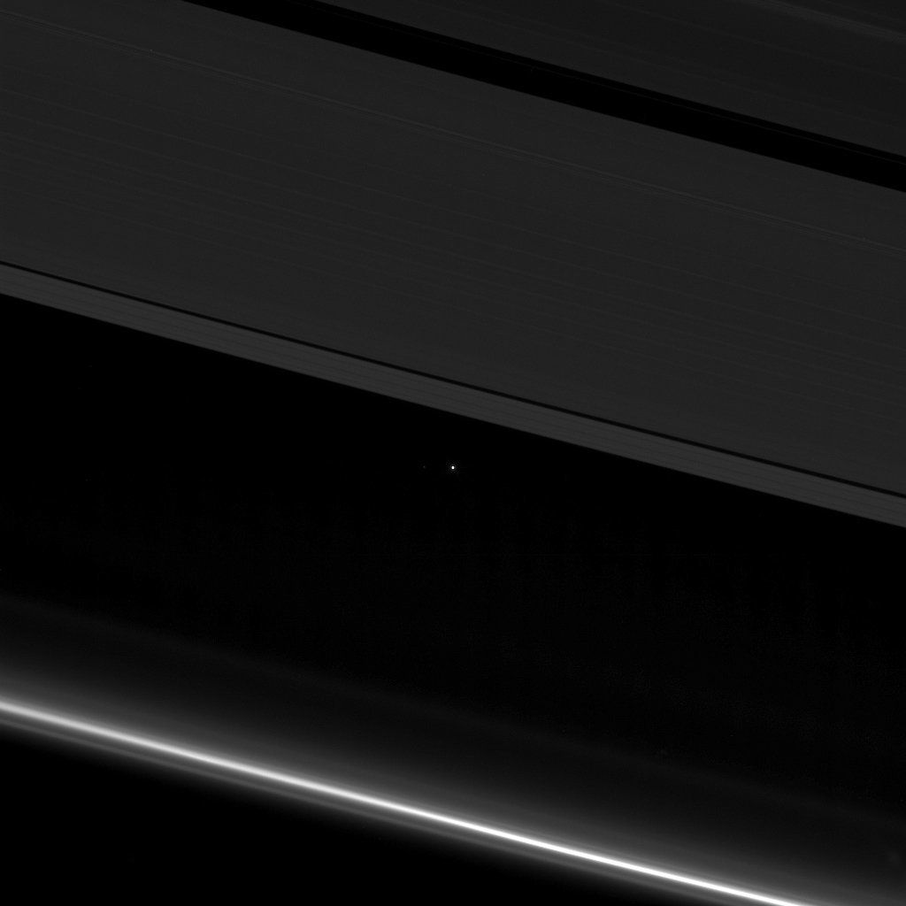 Cassini Photos: Probe Snaps A Spectacular Shot Of Earth In Between Saturn's