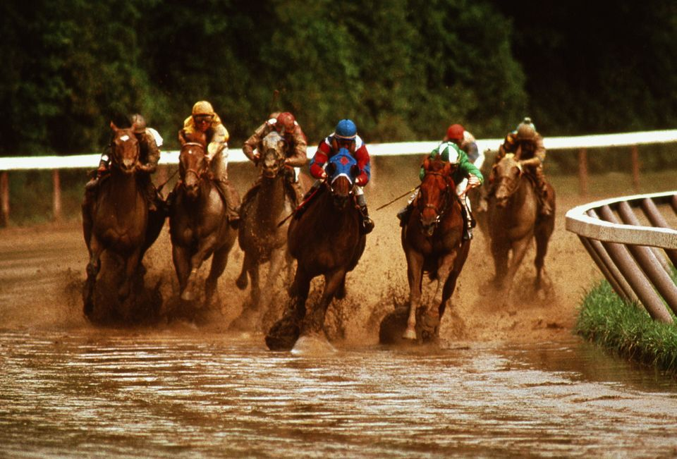 Saratoga Springs is a popular upstate New York destination for a few reasons. The city is known for thoroughbred horse racing
