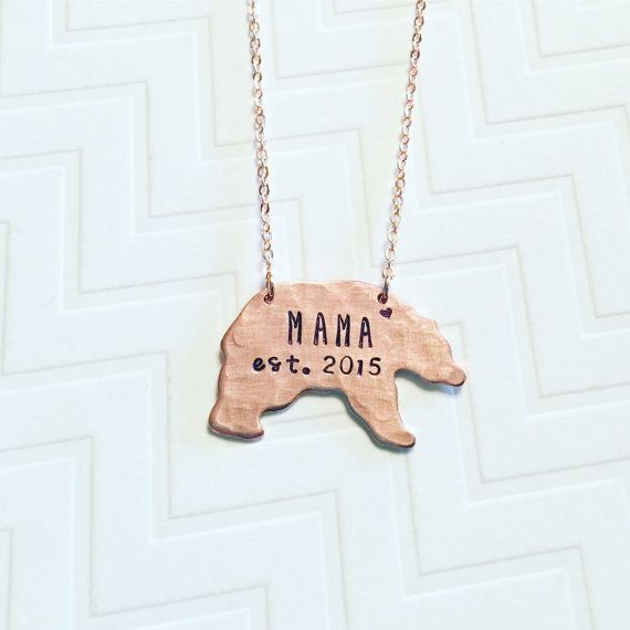 """<i>Buy it from <a href=""""https://www.etsy.com/listing/470387574/mama-bear-necklace-established-year-hand?ref=finds_l"""" target="""""""