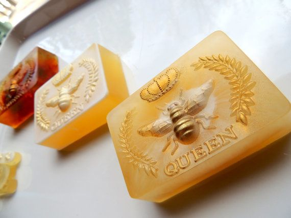 """<i>Buy it from <a href=""""https://www.etsy.com/listing/226035394/queen-bee-honey-soap-with-goats-milk-and?ga_order=most_relevan"""