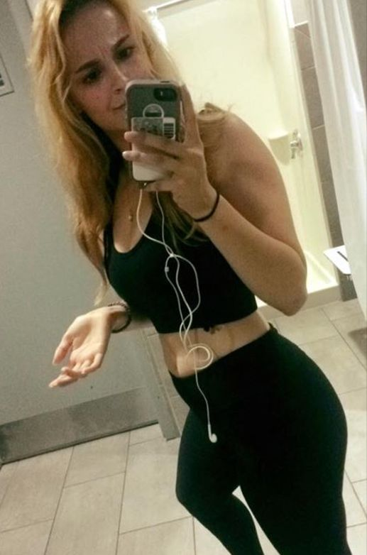 Student Claims She Was Kicked Out Of University Gym For Wearing Leggings And Crop