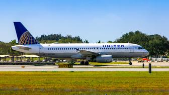 United Airlines Airbus A320-232 taxiing at Sarasota SRQ airport in Florida