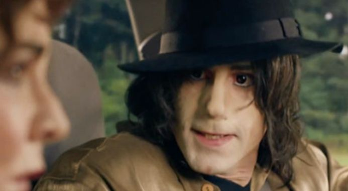 Joseph Fiennes Defends THAT Portrayal Of Michael Jackson That Never