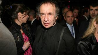 NEW YORK CITY, NEW YORK - APRIL 28: Vito Acconci attends Madison Avenue: Where Fashion Meets Art Presents Neon Artist 'Sylvie Fleury' at the Yves Saint Laurent Store on Madison Avenue at Yves Saint Laurent on April 28, 2005 in New York City. (Photo by Erik T. Kaiser/Patrick McMullan via Getty Images)
