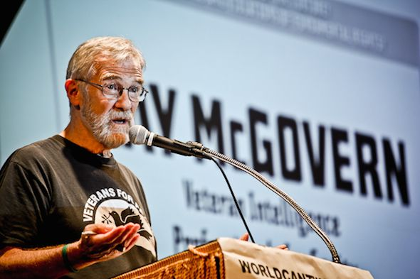 "<em>Former CIA analyst Ray McGovern speaking in 2013.</em> <em>(</em><a rel=""nofollow"" href=""https://www.flickr.com/photos/wo"