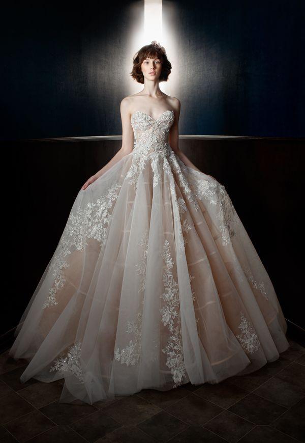 "<i><a href=""https://www.galialahav.com/wedding/"" target=""_blank"">Galia Lahav</a>, Spring 2018</i>"