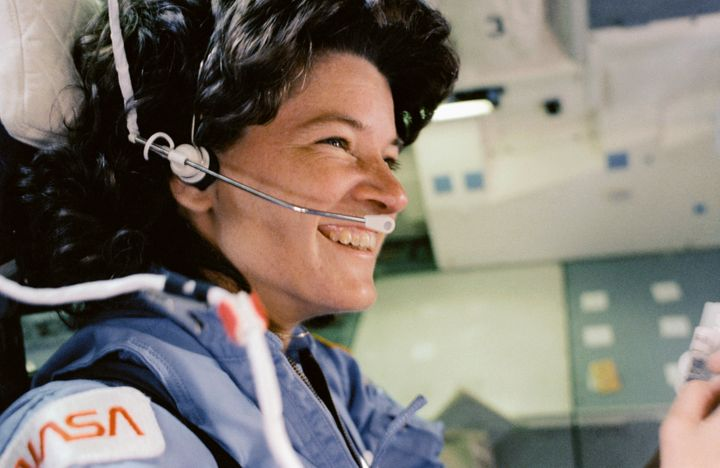 Sally Ride, chilling out in a spaceship.