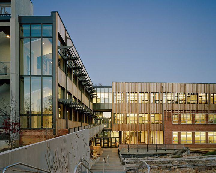 <p>Sidwell Friends Middle School, Washington, DC. Top Ten Award (2007), American Institute of Architects Committee on the Environment. </p>