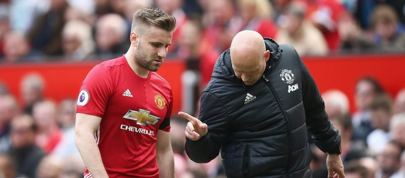 Luke Shaw was forced off with an injury in the opening minutes of Manchester United's Premier League match against Swansea Ci