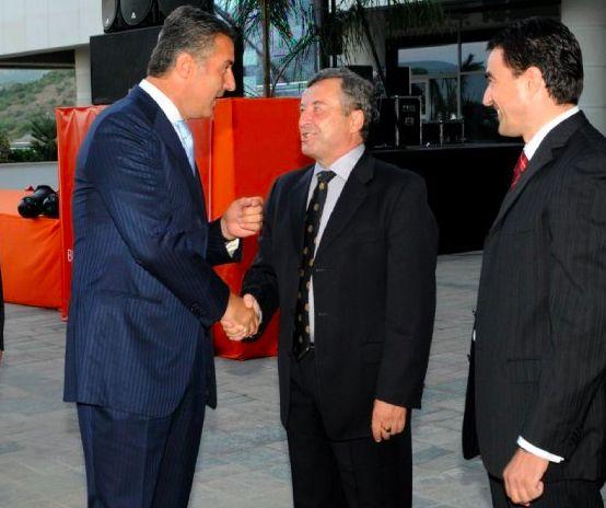 <p>Milo Djukanovic (left) with Veselin Vukotic (center). </p>