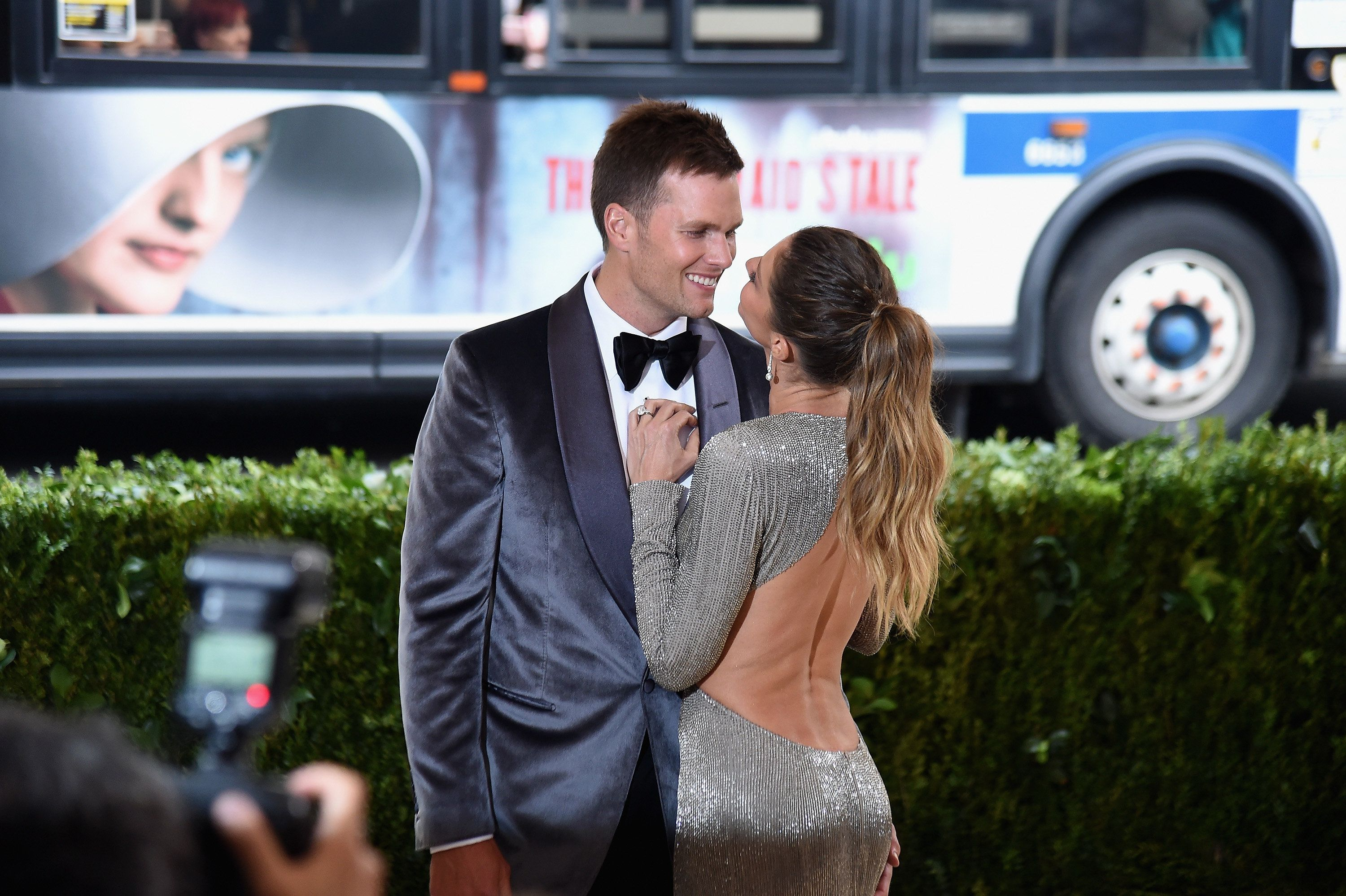 "NEW YORK, NY - MAY 01:  Tom Brady (L) and Gisele Bundchen attend the ""Rei Kawakubo/Comme des Garcons: Art Of The In-Between"" Costume Institute Gala at Metropolitan Museum of Art on May 1, 2017 in New York City.  (Photo by Nicholas Hunt/Getty Images for Huffington Post)"