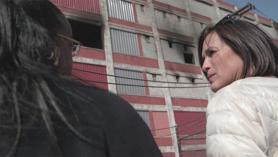 Wayne County Prosecutor Kym Worthy and Mariska Hargitay outside a dilapidated warehouse in Detroit where 11,000 rape kits sat