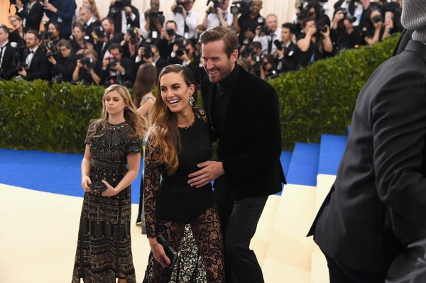 Elizabeth Chambers (L) and Armie Hammer