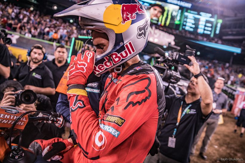 Ryan Dungey removes his helmet after taking the win in NJ and recapturing the points lead.