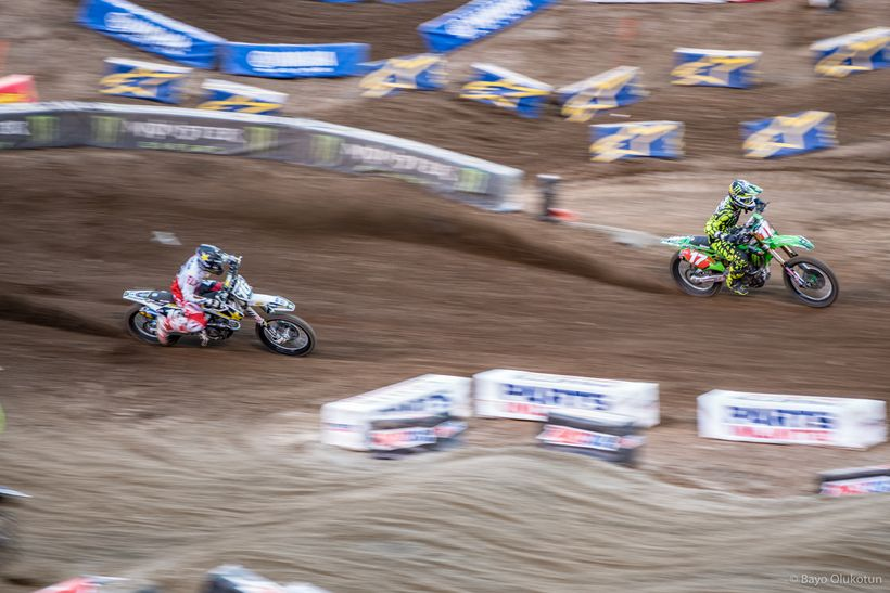 Zack Osborne (left) sets up the pass for the lead on Joey Savatgy during the 250SX East Main Event. Thanks to a penalty on Sa
